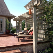 Traditional Patio by Daniel Lee Designs