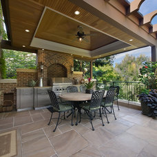 Traditional Patio by Diamond Homes, Inc.