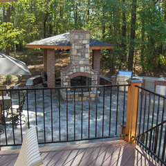 traditional patio by ARNOLD Masonry and Concrete