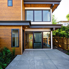 Modern Exterior by BcDc (B. Costello Design & Consulting, LLC)