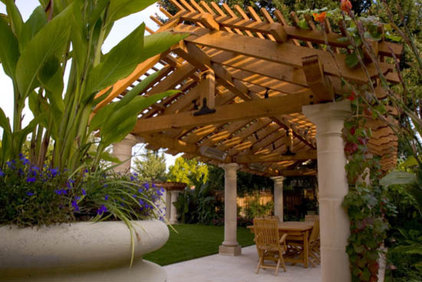 mediterranean patio by Pedersen Associates