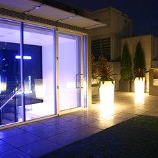 Modern Patio by C.R. Hunt Building & Design Inc.