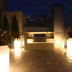 modern patio by C.R. Hunt Building & Design Inc.