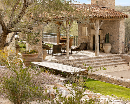 Rustic Outdoor Space Patio - Design-Ideen & Bilder | HOUZZ