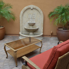 Traditional Patio by Lone Star Landscaping
