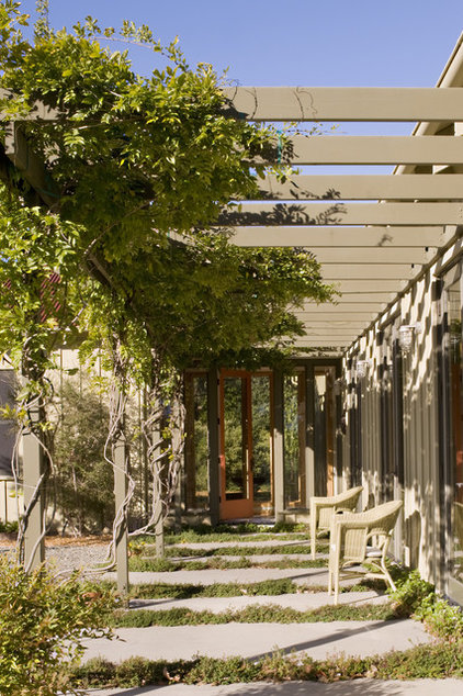 Contemporary Patio by John Lum Architecture, Inc. AIA
