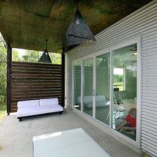 Modern Patio by Ignacio Salas-Humara Architect LLC