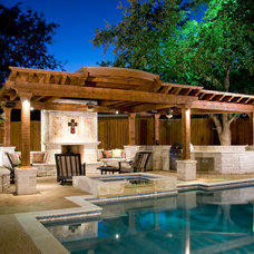 Traditional Patio by Dal-Rich Design & Construction