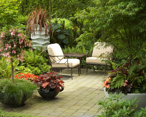 Small patio space home design ideas pictures remodel and for Courtyard landscaping ottawa