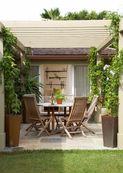 American Traditional Patio by Kelso Architects