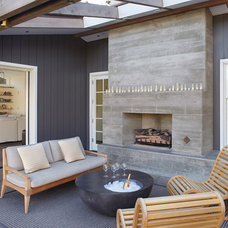 Contemporary Patio by Jetton Construction, Inc.