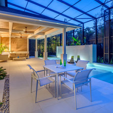 Contemporary Patio by DWY Landscape Architects