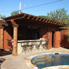 Tropical Patio by Rankin Construction