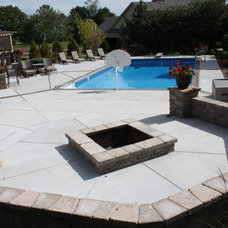 Traditional Patio by KD Poolscapes