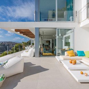 Imagen de patio contemporáneo sin cubierta
