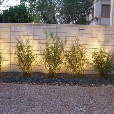 Patio - contemporary gravel patio idea in Houston