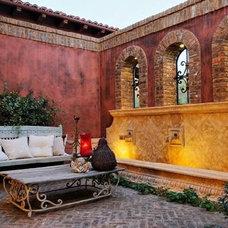 Mediterranean Patio by Steve Murcko & Associates, Inc.