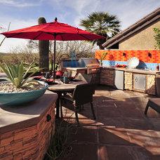 Southwestern Patio by Prideaux Design