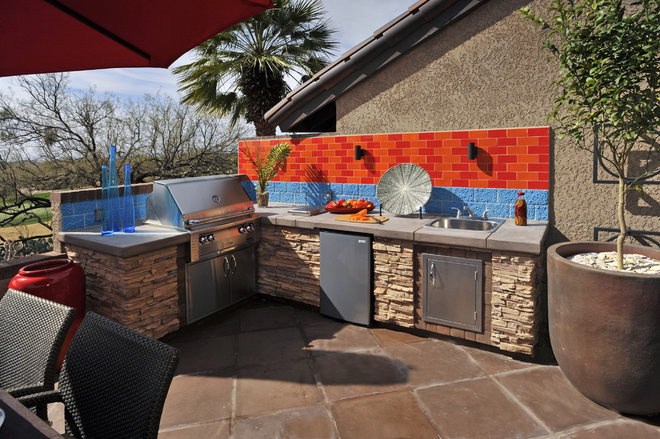 Modern Patio by Prideaux Design