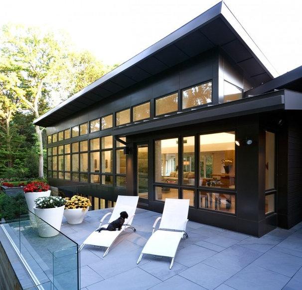 Modern Patio by Kevin Bauman