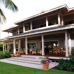 tropical patio by Dinmore & Cisco Architects, Inc.