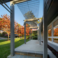 Modern Patio by Maplewood Building Company