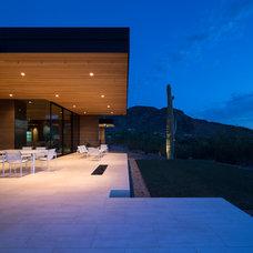 Contemporary Patio by Kendle Design Collaborative