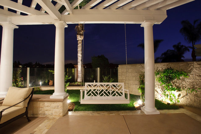 Traditional Patio by Bill Murphey & Associates
