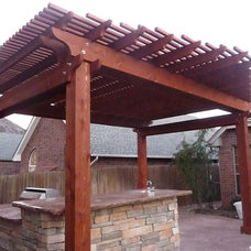 Traditional Patio by Gunn Landscaping