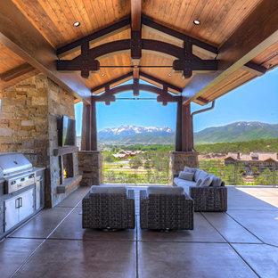 Immagine di un patio o portico stile americano
