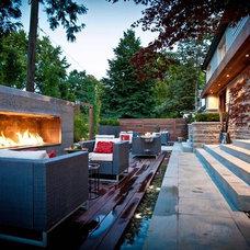 Modern Patio by Regina Sturrock Design Inc.