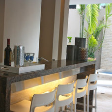 Tropical Patio by Stone & Tile of PR
