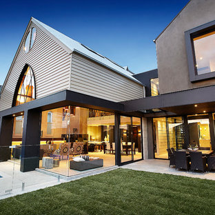 Inspiration for a contemporary patio in Melbourne.