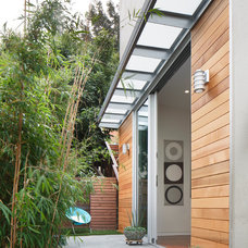 Patio by McElroy Architecture, AIA