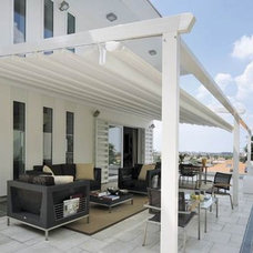 Traditional Patio Retractable Awning