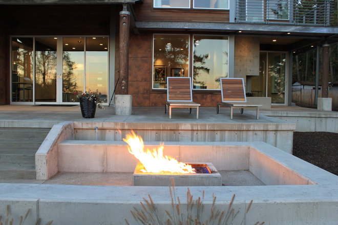 Contemporary Patio by RGN Construction