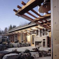 Modern Patio Rhodes Architecture + Light