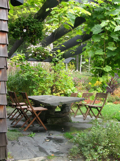 Traditional Patio by Broadleaf Landscape Architecture