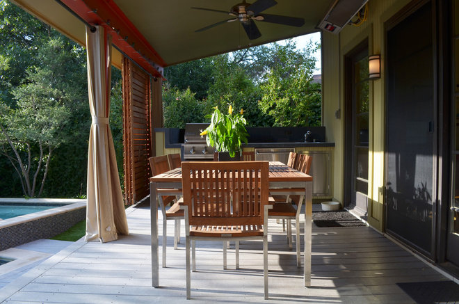 midcentury patio by Sarah Greenman