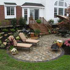 Traditional Patio by Thornton Landscape
