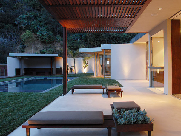Modern Patio by Tocha Project