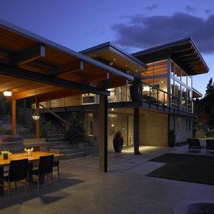 Trendy patio kitchen photo in Seattle