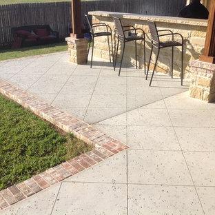 Rock Salt Finish Concrete w/Brick Border
