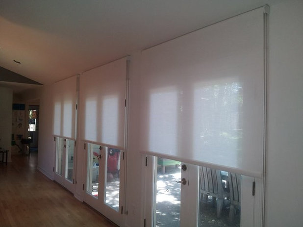 What S The Right Way To Hang Roller Shades