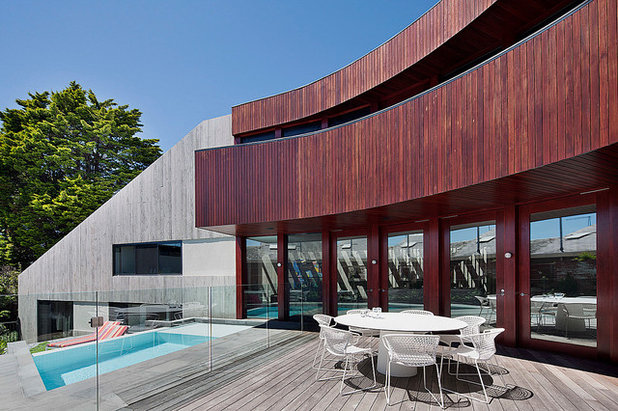 Contemporary Patio by bg architecture