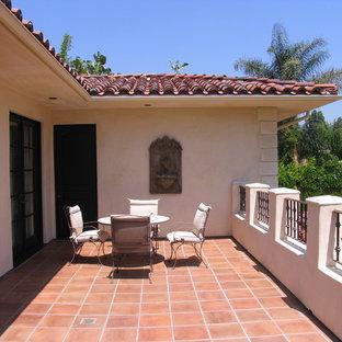 Foto di un patio o portico mediterraneo