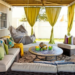 eclectic patio by Brunelleschi Construction