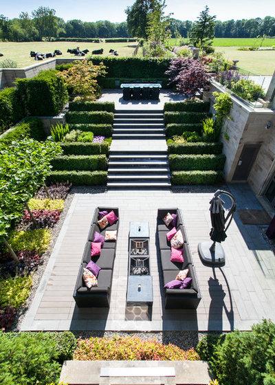 comment am nager plusieurs espaces sur une terrasse. Black Bedroom Furniture Sets. Home Design Ideas