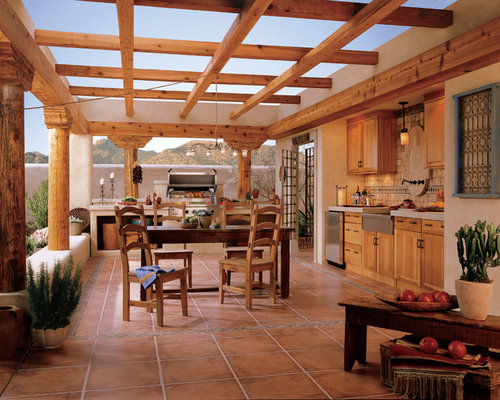 Southwestern Outdoor Design Ideas & Remodel Photos with a Pergola ...