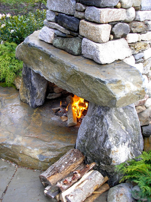 Rustic outdoor fireplace for Rustic outdoor fireplace ideas